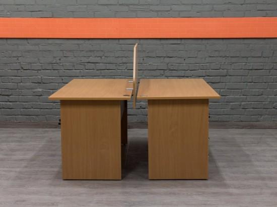Комплект из двух офисных столов