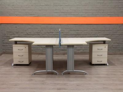 Комплект столов с тумбами