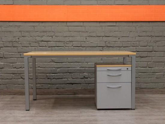 Steelcase Письменный стол с подкатной тумбой