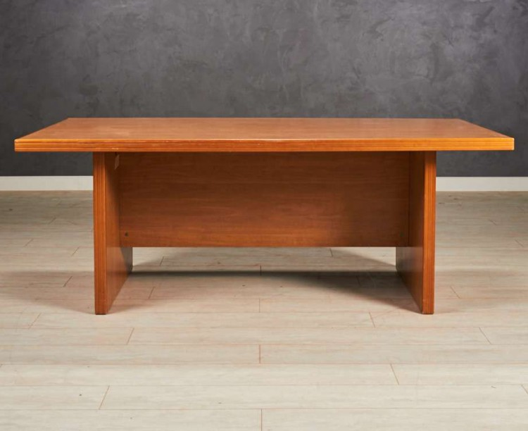 Стол для переговоров, цвет орех