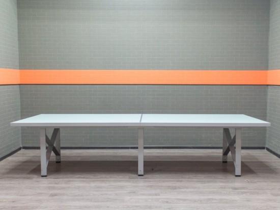 Стол для переговоров стеклянный