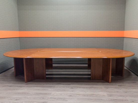Стол для переговоров МДФ, офисная мебель бу