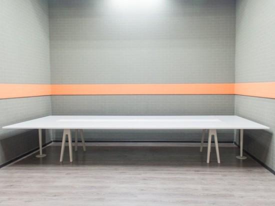 Стол для переговоров Vitra, офисная мебель бу