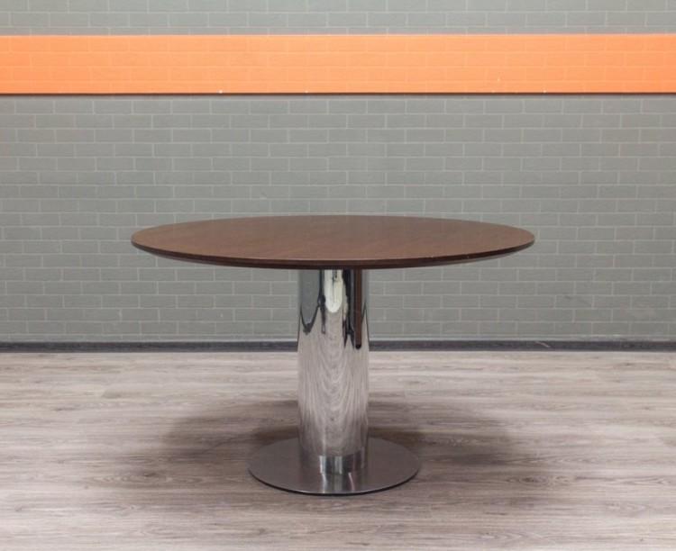 Стол для переговоров, шпон дуба, металл