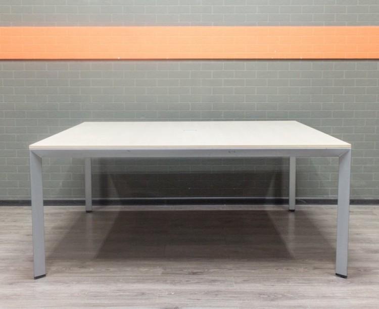 Стол для переговоров, квадратный, дуб и металл