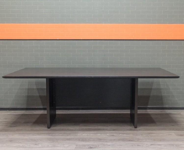 Стол для совещаний, конференций
