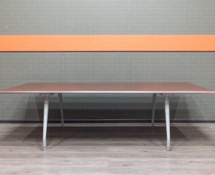 Стол для переговоров, конференций, орех