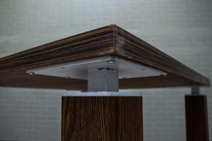 Стол в переговорную квадратный