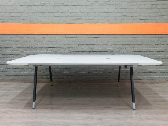 Стол для переговоров BENE. Офисная мебель бу