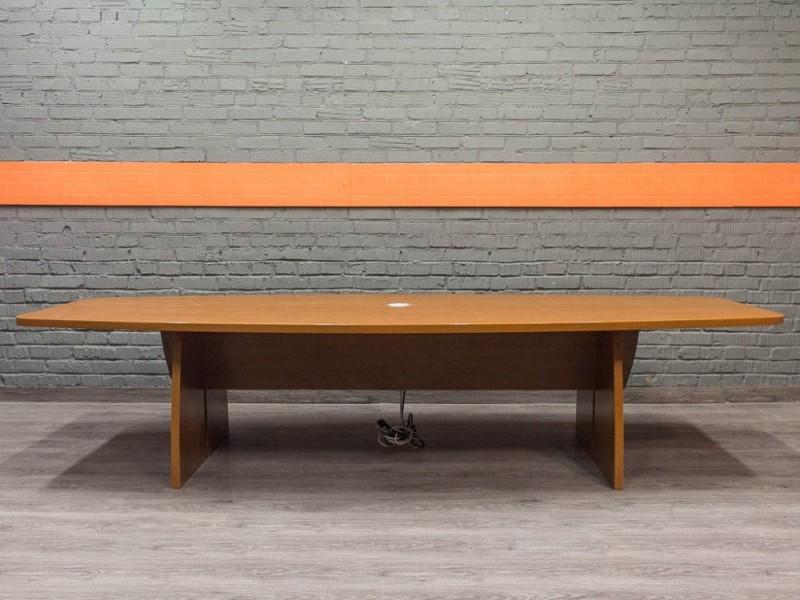 Стол переговорный со встроенными розетками, орех Офисная мебель бу.