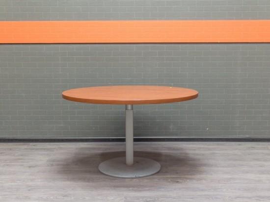 Стол круглый переговорный, обеденный. Офисная мебель бу