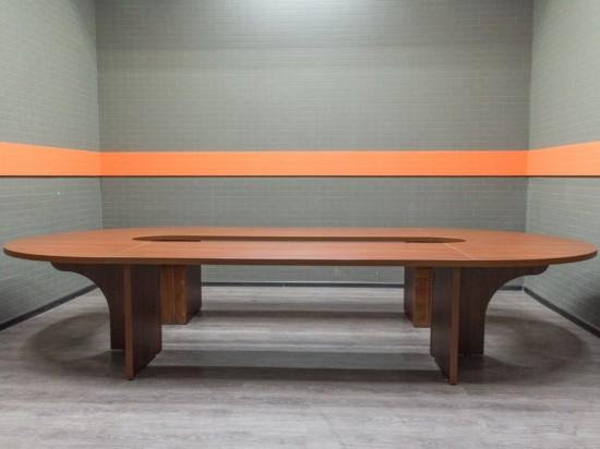 Офисная мебель бу. Стол для переговоров, совещаний, яблоня