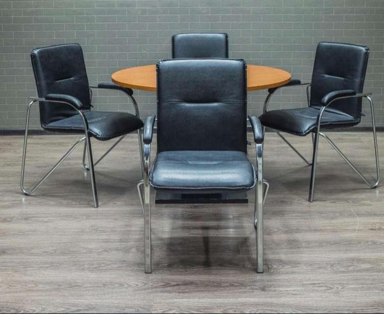 Стол круглый со стульями