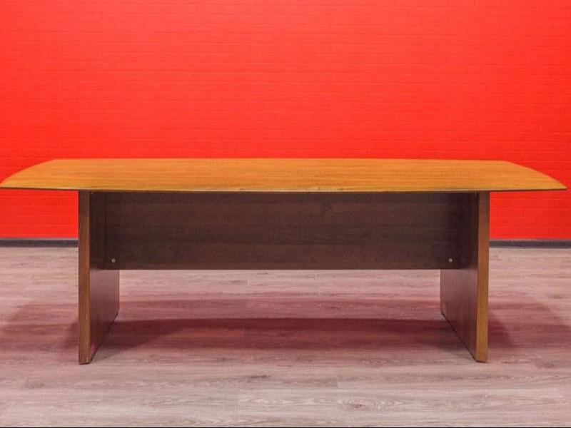 Стол для переговоров Орех