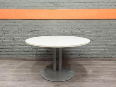 Круглый стол журнальный, переговорный, клен