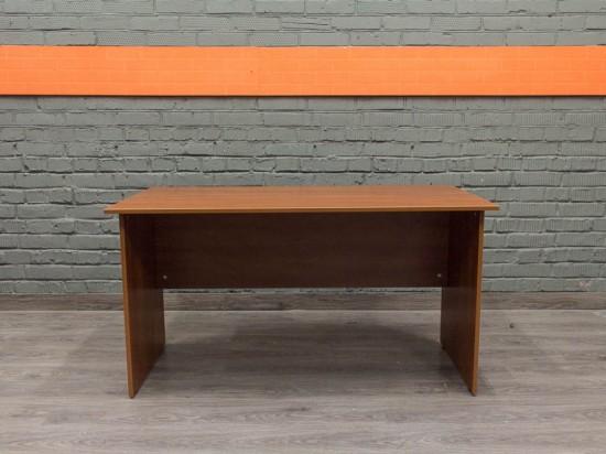 Компьютерный стол в офис новый, яблоня