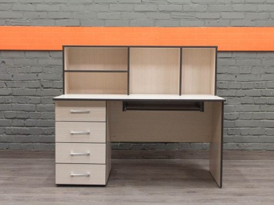Компьютерный стол новый с полками, дуб