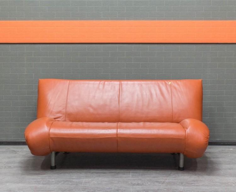 Диван оранжевый, натуральная кожа
