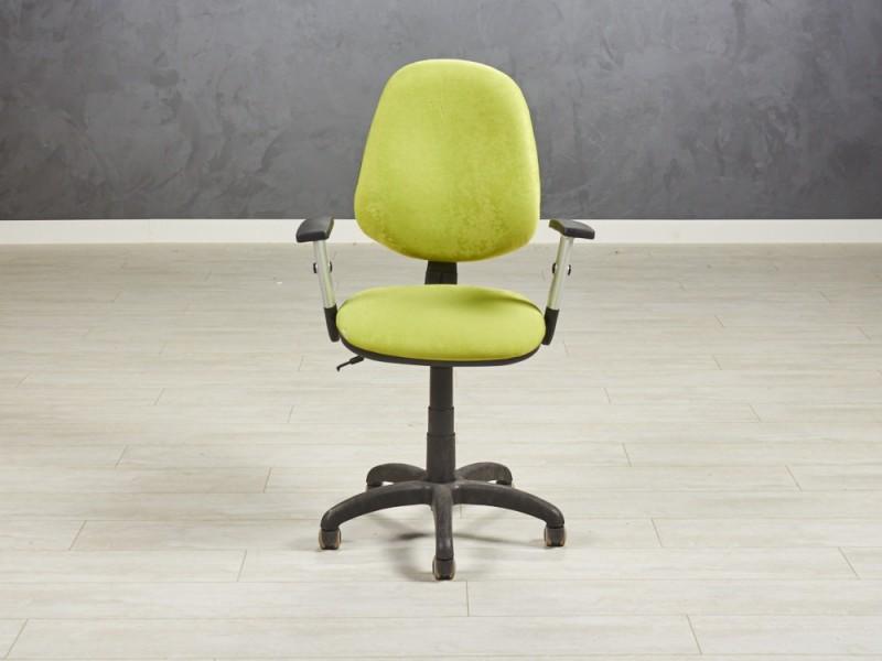 Кресло для персонала Салатовое велюр 680х560х1020