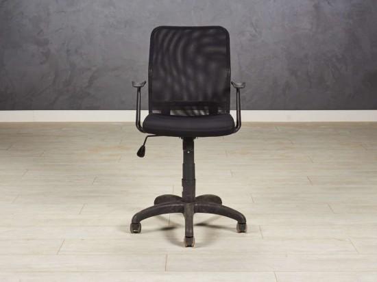 Кресло офисное для персонала, цвет черный