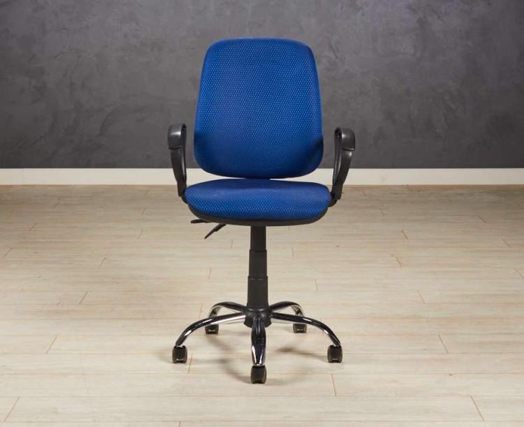 Кресло офисное, цвет обивки синий