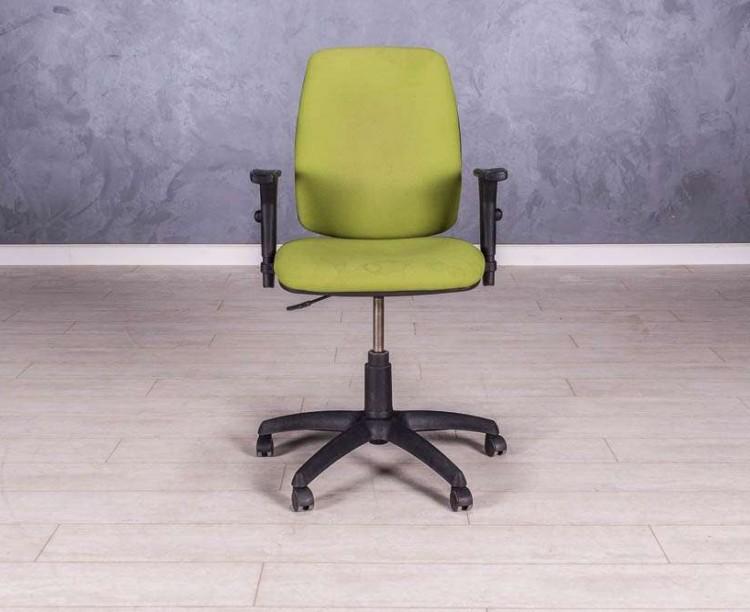 Кресло для персонала, цвет салатовый