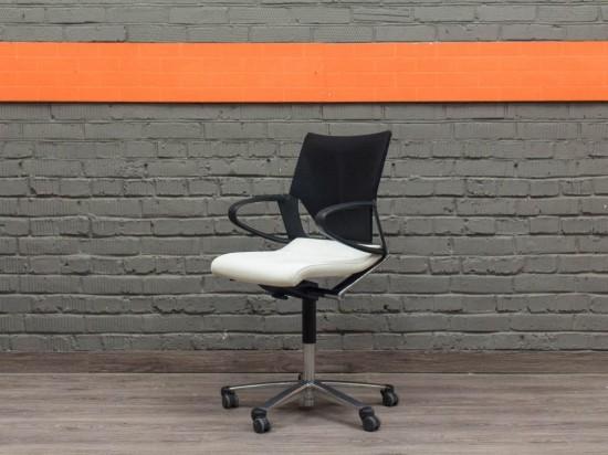Кожаное кресло Modus Wilkhahn, Германия. Офисная мебель бу