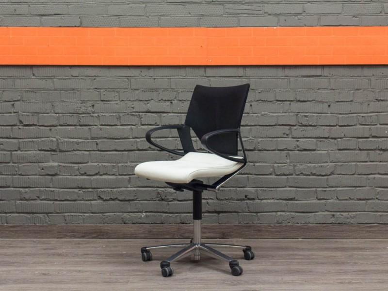 Кожаное кресло Modus Wilkhahn, Германия.