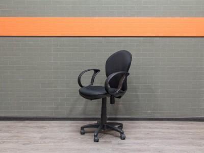 Офисная мебель бу. Компьютерное кресло с низкой спинкой