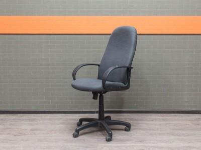 Офисное кресло серое Офисная мебель бу