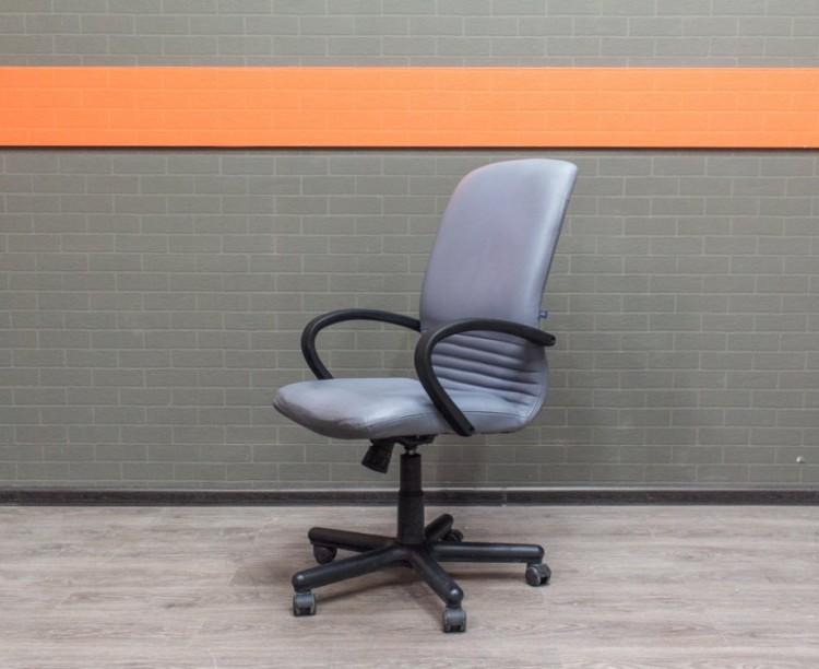 Офисное кресло для менеджера, Польша