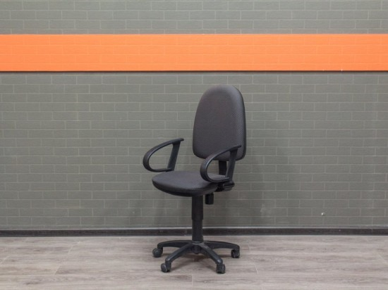 Офисная мебель бу. Кресло офисное серое, ткань
