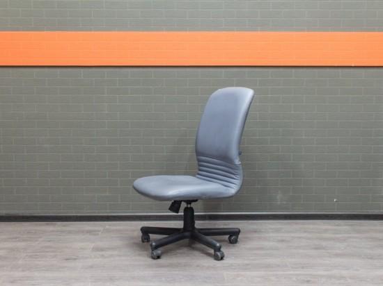 Кресло компьютерное Новый Стиль, без подлокотников Офисная мебель бу