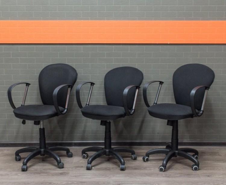 Офисное кресло черное, офисная мебель бу