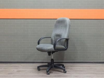 Офисное кресло Chairman серое, офисная мебель б/у