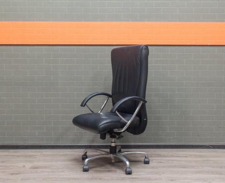 Кожаное кресло для менеджера, офисная мебель бу