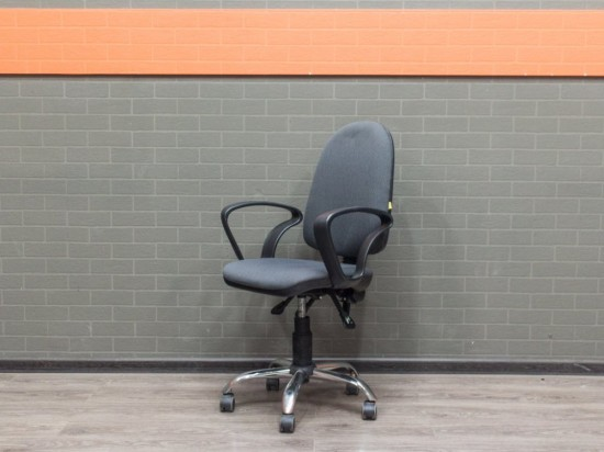 Компьютерное кресло серое, офисная мебель бу