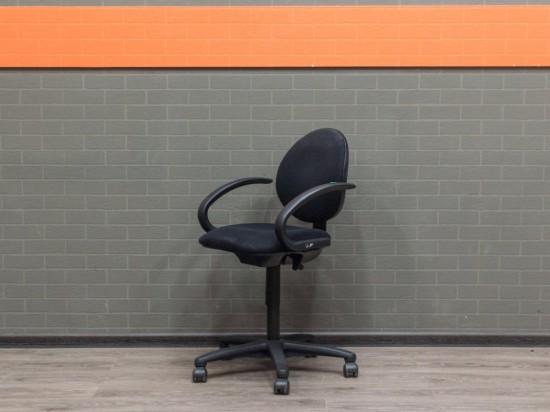 Офисная мебель бу Кресло с низкой спинкой