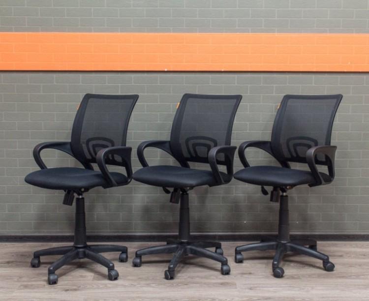Компьютерное кресло Chairman с сетчатой спинкой