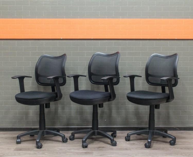 Компьютерное кресло с низкой спинкой, сетка