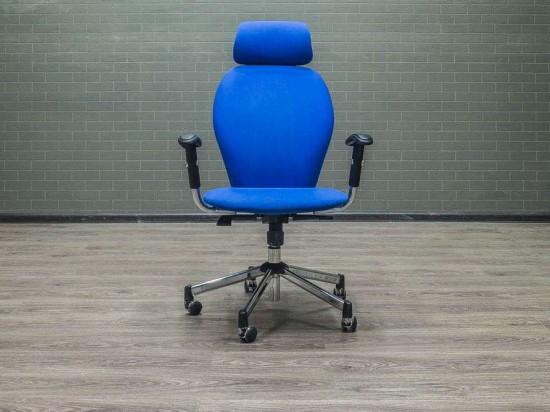 Кресло офисное с подголовником Chairman