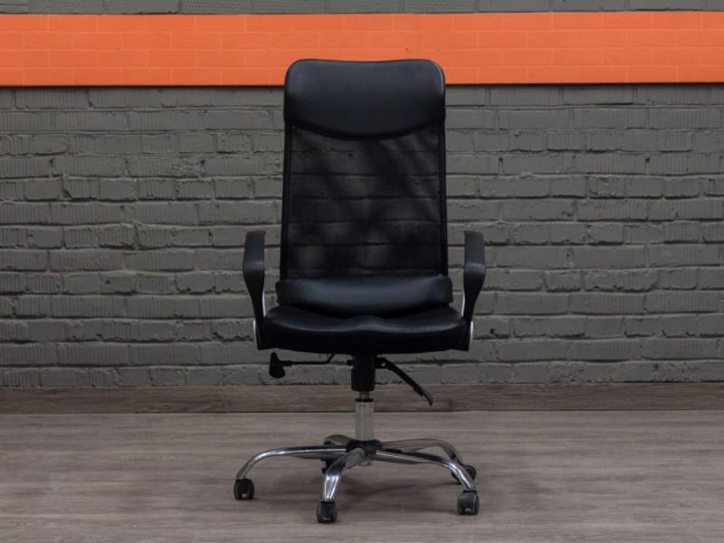 Офисное кресло для сотрудника, менеджера