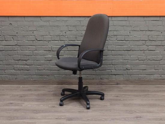 Компьютерное кресло в офис, серое