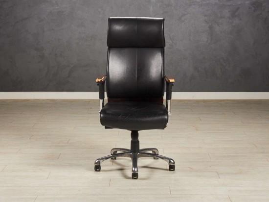 Кресло руководителя офисное чёрное