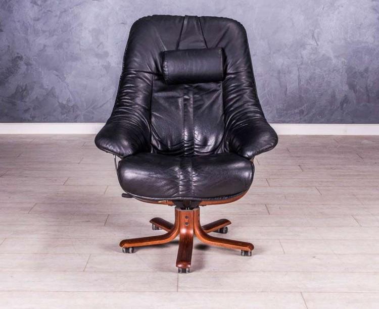 Кресло руководителя, цвет черный