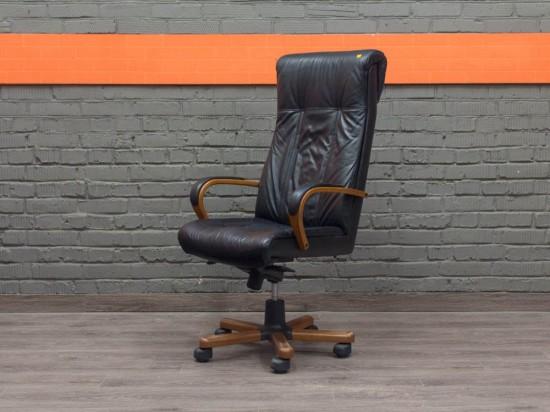 Кресло для руководителя Paris Wood A