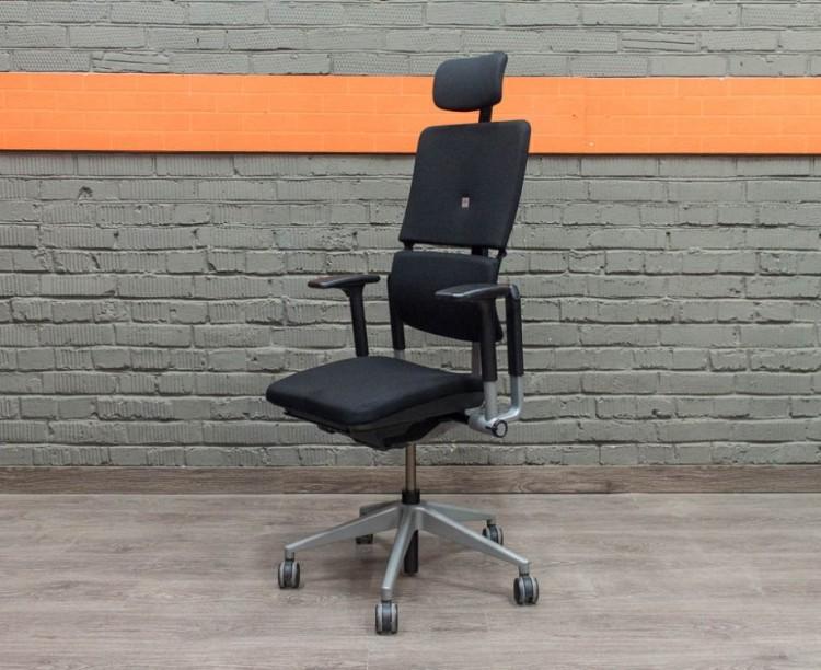 Кресло руководителя Steelcase Please 2, черное