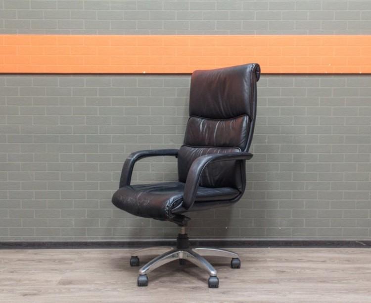 Кресло руководителя экокожа, Chairman, с повреждениями