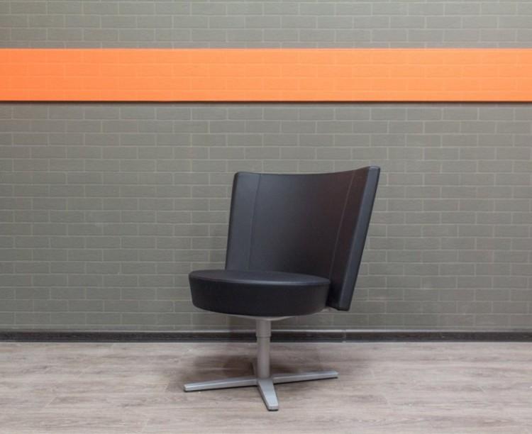Кресло переговорное Centrum Kinnarps