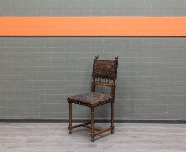 Офисная мебель бу Антикварный стул Франция 18 век, резное дерево, тиснение